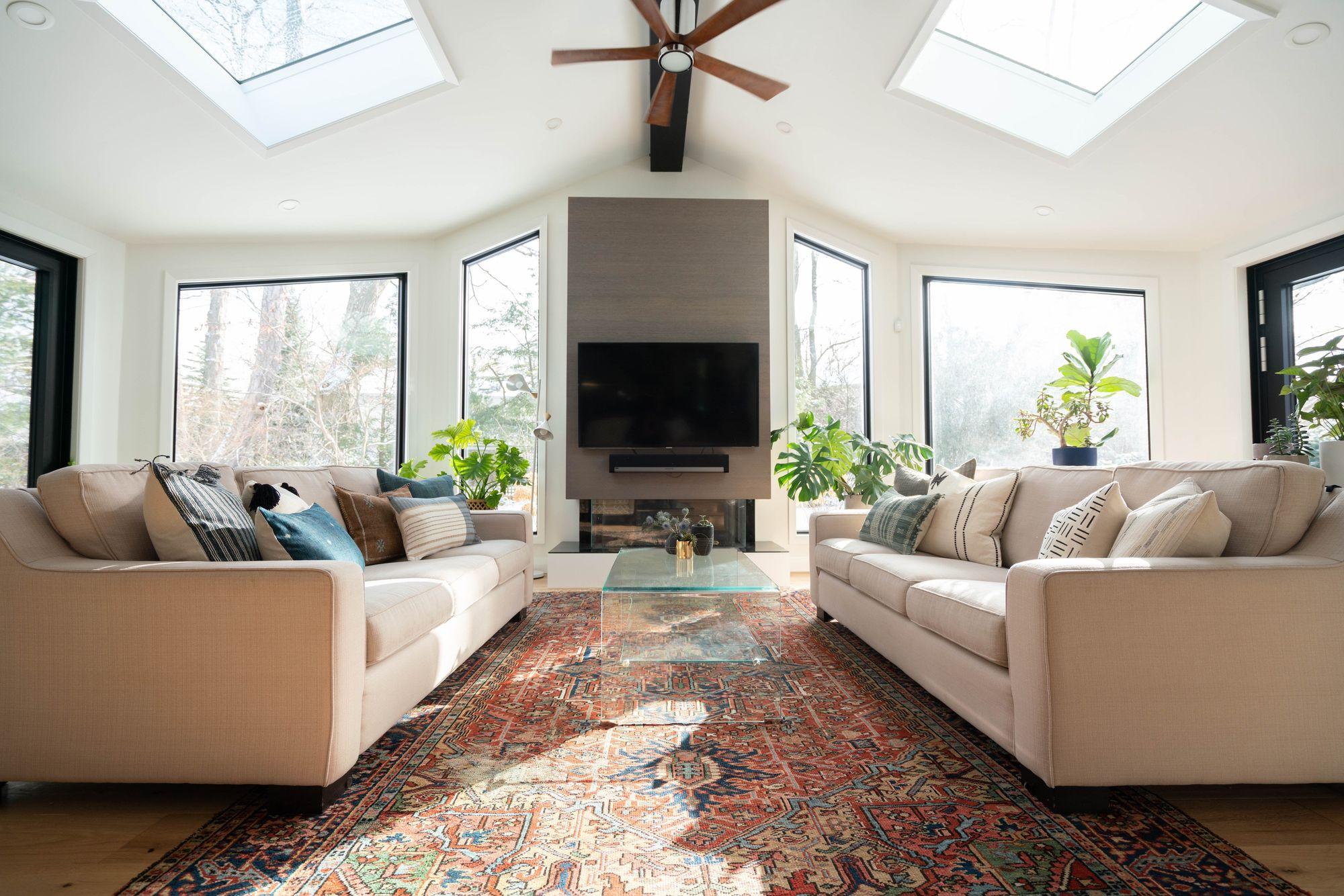 Verschillende plafondhoogtes zorgen voor verschillende sferen.